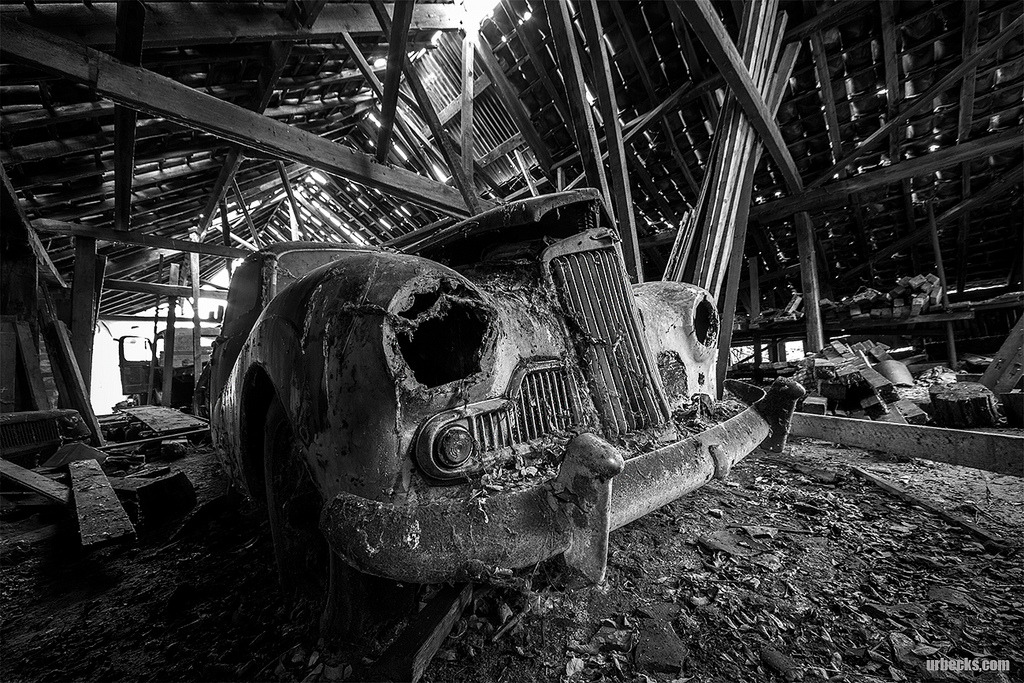 Abandoned saw mill and car graveyard - March 2013 (by urbecks)