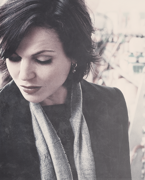 le-evilqueen:  08/100 favourite caps of Regina Mills/Evil Queen
