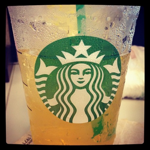 g'morning ☀ #ventiicedgreentea #unsweetened  (at Los Angeles Unified School District Headquarters)