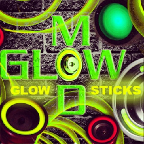 Glow Mods are at a new low price!  Developed in Canada the Glow Stick Mod is a great way to give your yo-yo extra attention especially in the dark and at your next performance!  4 Packs now for just $2, 8 Packs for $3.50, and 12 packs for $5.00!  See them in action here: http://shop.yoyoexpert.com/product/664/Glow-Mod-Glow-Sticks