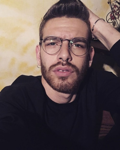 follow gayitalia gayitaly gaystagram gayfollow gayboy favoboys gaymale gay favogays mmday gayworld piercing beard beautygayitalia glasses nonègrindr gaymen instagayit