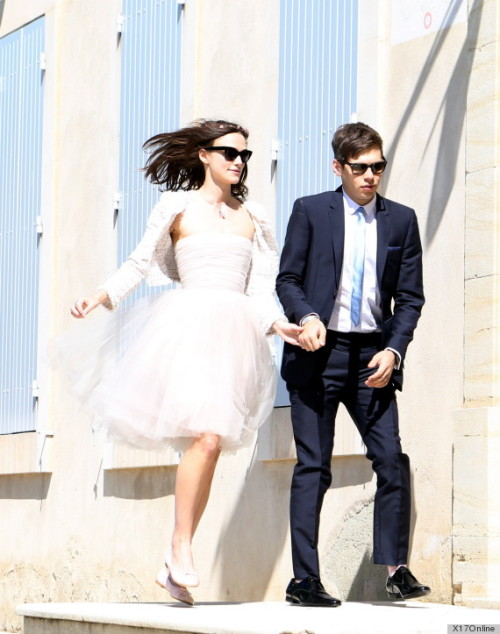 2lifeweddings:  Keira Knightley / James Righton wedding pic
