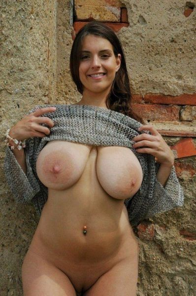 milfs4you:  pear-lover:  Don't be shy ladies, submit your lady parts! http://goood-times.tumblr.com/submit   Dayummm