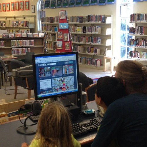 pcsweeney:  My librarian using Tumblr as part of her storytime. Love this!  <3 <3 <3