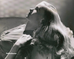 donaldmania:   Veronica Lake-late 40's   Beautiful quality!