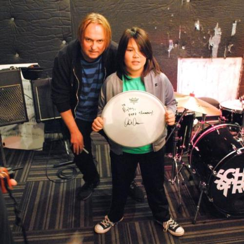 melvinmania:  Dale Crover from (the) Melvins stopped by West LA School of Rock USA yesterday to jam with the kids and lay down some wisdom.