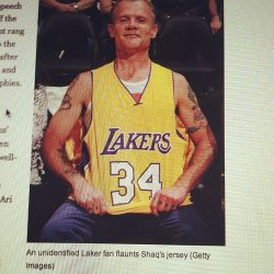 "liquid-outer-space:  ""unidentified Laker fan"" I swear I just cracked a rib from laughing so hard"
