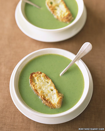 e-d-i-b-l-e:  Broccoli Soup with Cheddar Toasts