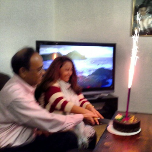 Happy new year!! &happy 24th anniversary to my parents!! <3