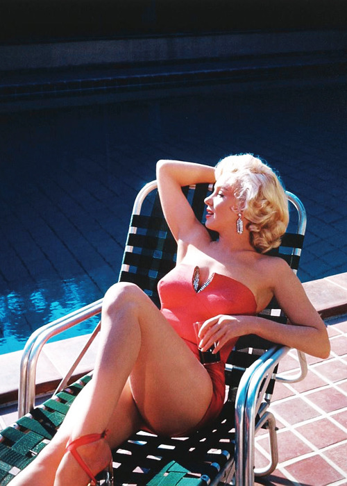 "wastedyouth-l:  vintagegal:  Marilyn Monroe -during the filming of ""How to Marry a Millionaire"", Marilyn posed for publicity shots at former silent screen star turned photographer Harold Lloyd's estate, Greenacres in Los Angeles, California. (1952)  my idol"