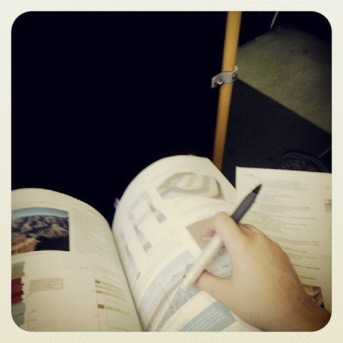 Morning bus rides and studying seem to just walk hand in hand, naturally =)