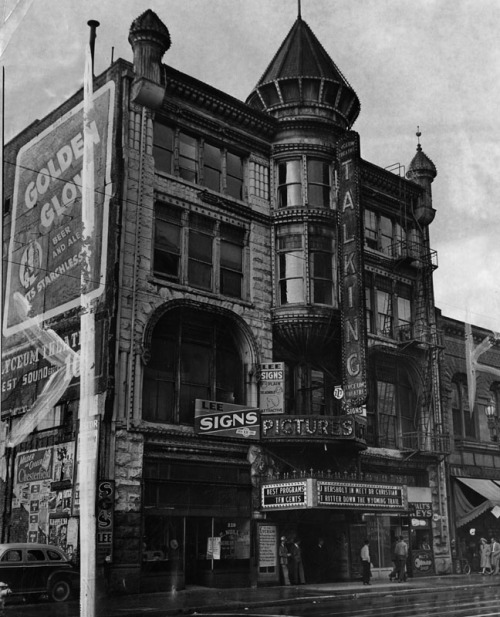 memoriastoica:  The Lyceum Theatre, located at 227 South Spring Street, Los Angeles. Originally known as the Los Angeles Theater, it was razed to construct a parking lot. Beneath it is one of the original springs from which Spring Street derived its name. Circa 1941.