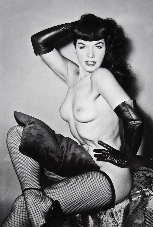 Bettie Page photographed by Sam Menning c. 1950s