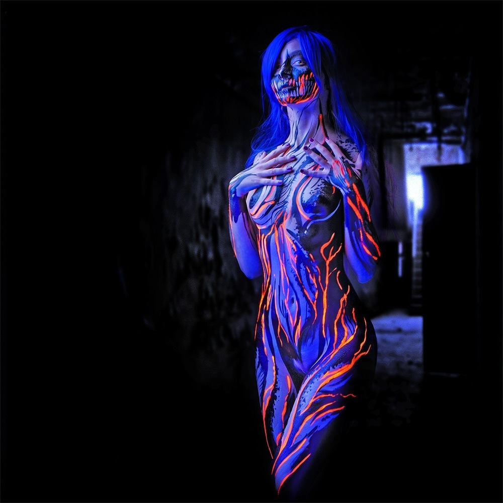 groteleur:  Extreme body art >