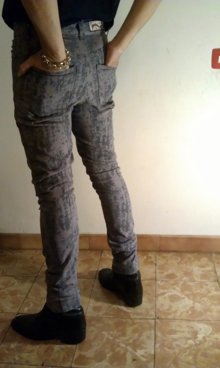 "creation: jeans ""dirty snow"" custom made by Guitarnina…"