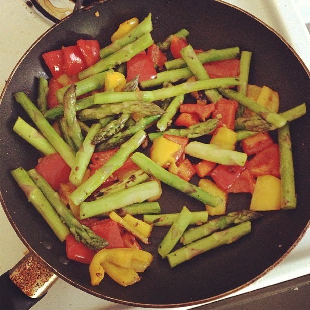 Um…. Yum! #veggies #asparagus #peppers #saute #lunch #garlic