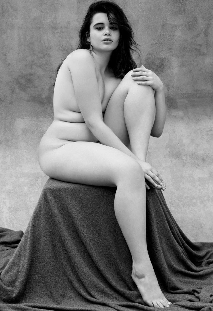 Возрасте фото российских голых женщин широко влагалище показала