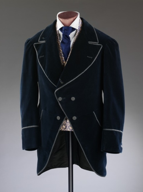 omgthatdress:  Men's Coat 1873-1875 The Victoria & Albert Museum  You know you've matured out of your punk rock drummer phase when you think a guy also needs to be able to feel just as comfortable in something like this. Just look at this piped velvety hotness.