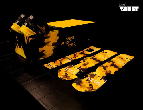 fudgetacker:  Nike Vault x Kobe VIII System  another Kobe signature; another limited edition packaging.  clean box coming along with some socks. click here for more pics Related articles Nike Kobe VII (7) 'Positive/Negative at NikeVault (sneakerfiles.com)