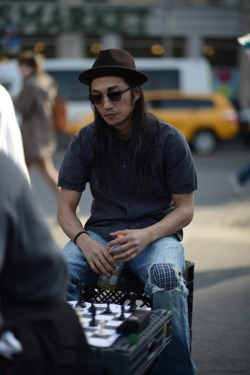 kendaatlarge:  dapper lou: street gents | playing chess…. union square