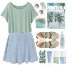 thepolyvorecollection:   Honolulu by child-of-the-tropics featuring a short sleeve t-shirt