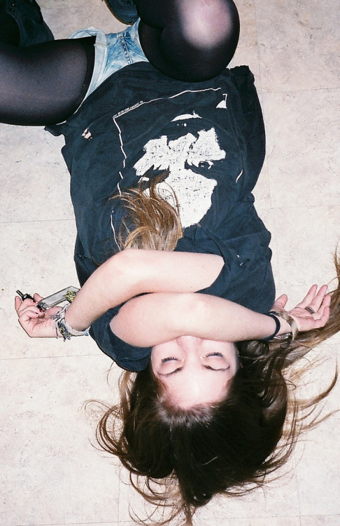 unicorns0n-acid:  spine-notches:  ✥ soft grunge & models ✥  ✟softgrunge✟