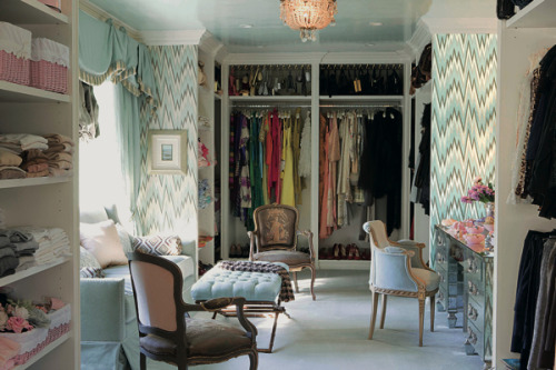 | Decor Pad | Love the matching window treatment and bold wallcovering in this walk in closet.  xxDC