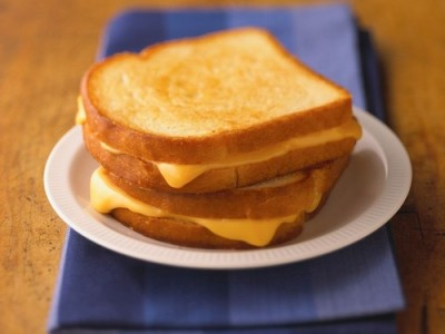 prettygirlfood:  Grilled Cheese Sandwiches