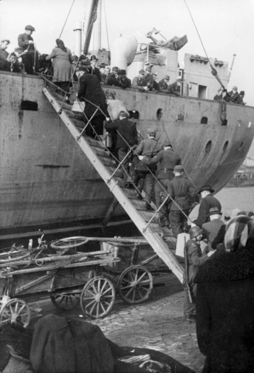 The evacuation from Ventspils, October 19, 1944