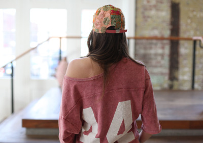 freepeople:  How we wear baseball hats