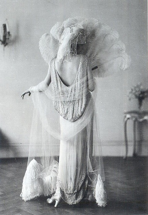 sydneyflapper:  jessjurss:  Madeleine VionnetI'm so inspired by this 1920s evening wear.   A Norman Hartnell design, I believe?