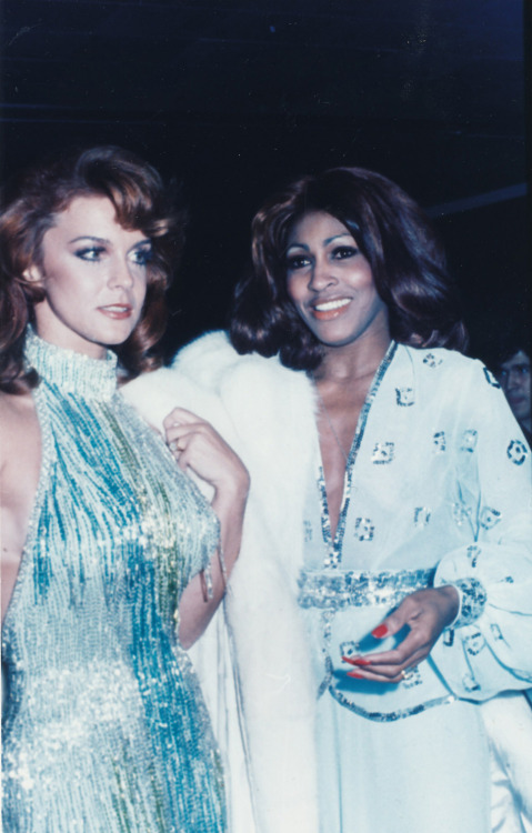vintageclassicretro:  Ann-Margret and Tina Turner