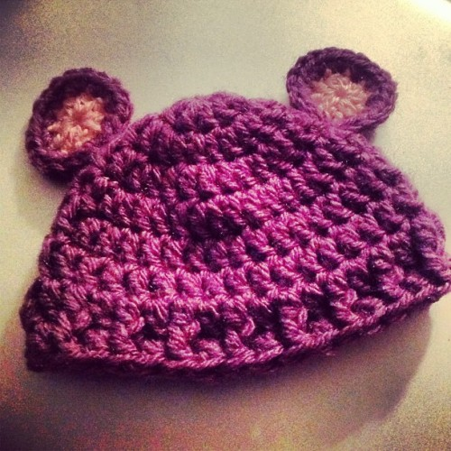This little baby bear hat cracks me up 😄 #babycrochet is so much fun! #crochet #dopecrochet