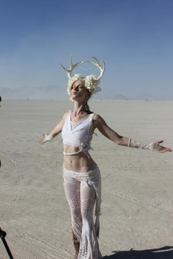 our-photons-collide:  water—sprite:  looks like burning man ?