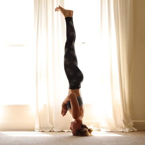 Upside-down everyday. #yogaaday @iamvibes