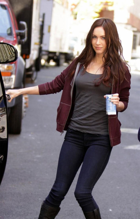 MEGAN FOX COMO APRIL O´NEILL