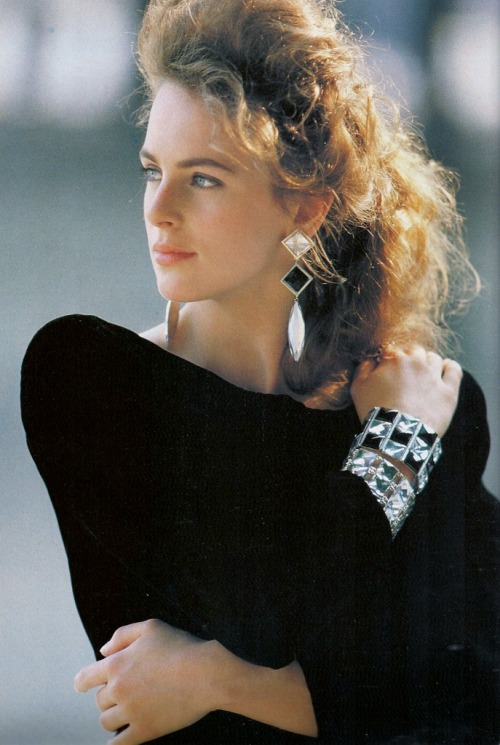 """Chic List"", Vogue UK, October 1987Photographer : Patrick DemarchelierModel : Laetitia Firmin Didot"