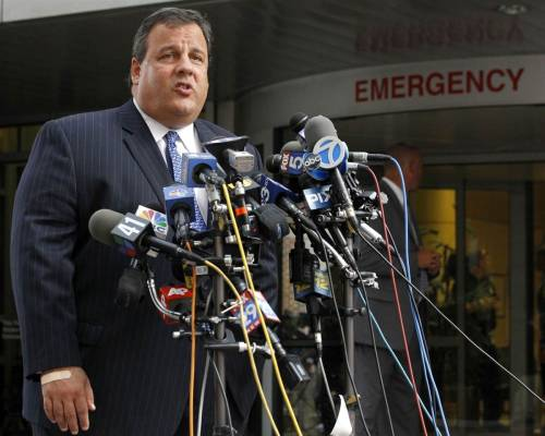 NJ Gov. Chris Christie reveals he underwent weight-loss surgery (Photo: Julio Cortez / AP) New Jersey Gov. Chris Christie has revealed that he secretly underwent lap-band stomach surgery just over two months ago to lose weight for the sake of his family. Read the complete story.