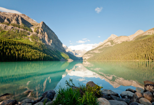 Reflections on the Lake Louise. (by syamastro)