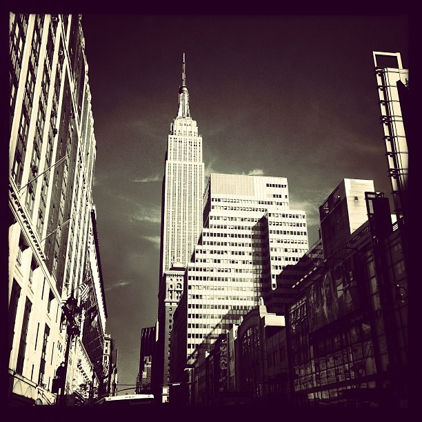 Empire State (iP5) #buildings #cityscape #architecture #empire #instagood #nyc #location #instamood #skyline #skyscrapers #phototag_it #street #style  (at In The Middle Of NYC)