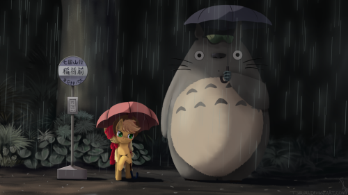 Totoro And Some Apples by *Tyruas