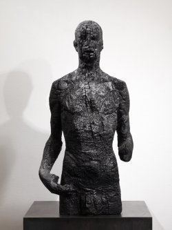 Sculptures by Aron Demetz | Posted by devidsketchbook.com