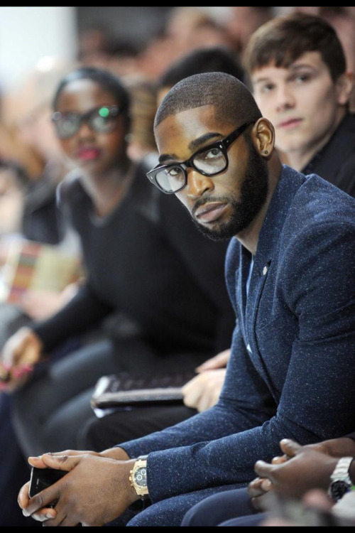 natural-queen-of-coarse:  caramelblackness:  Damn, he's fine.   His beard though!