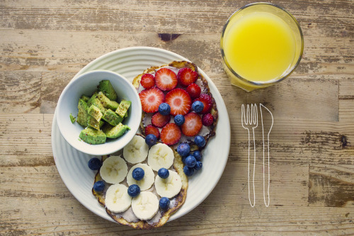 morninghealth:  Avocado, blueberries and bananapancakes with peanutbutter, banana and strawberries (I also adde a cute knife and fork I sketched in school the other day, cute?)
