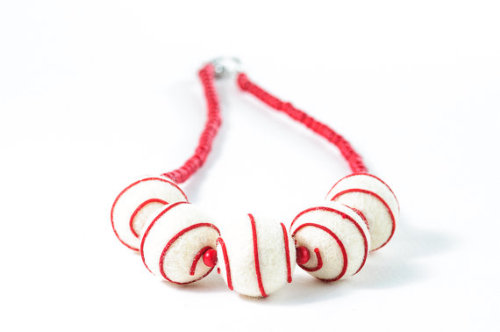 Christmas Felt Necklace / Red and White Felted by DevikaFelt