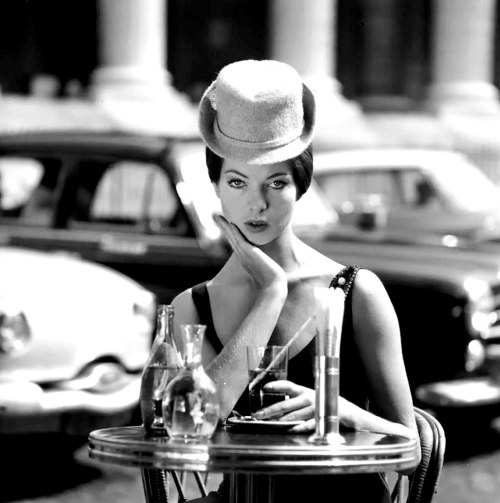 theniftyfifties:  Fashion in Paris, 1958. Photo By Fred Bonnet