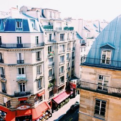 View from the apartment in #Paris 🙌. #travel #timeforespresso #iwokeuplikethis  (at Rue Saint-Honoré)
