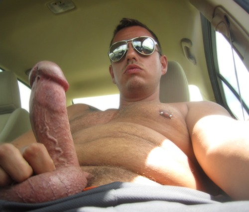 hairyexhibitionist:  Fun in the car :)