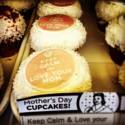 Keep calm and live your mom … Cupcakes! #cupcake #mom #keepcalm #mother #mothersday #crumbs #frosting #icing #food #foodie #dessert #yum #yummy #love #cupcakes  (at Crumbs Bake Shop)