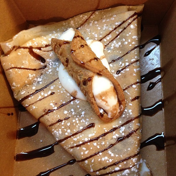 My beautiful delicious conoli crepe 😋😊😄😃😀